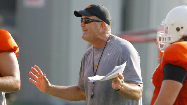 OSU COLLEGE FOOTBALL: Offensive line coach Joe Wickline during Oklahoma State University football practice in Stillwater, Okla., Tuesday, August 5, 2008. BY MATT STRASEN, THE OKLAHOMAN ORG XMIT: KOD