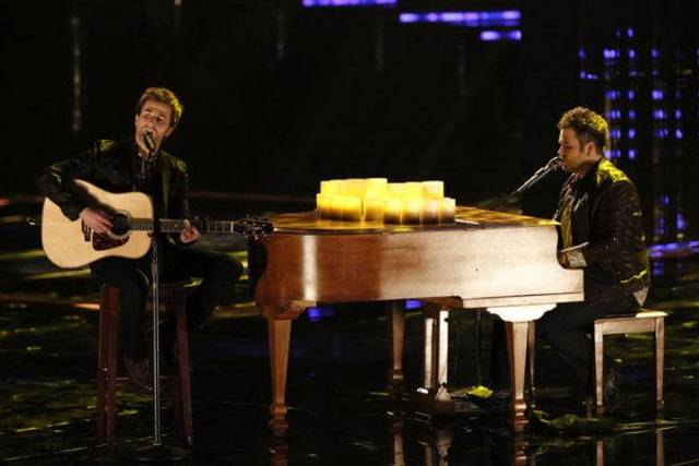 "THE VOICE -- Episode 414A ""Live Show"" -- Pictured: The Swon Bros (Colton Swon, Zach Swon) -- (Photo by: Tyler Golden/NBC)"