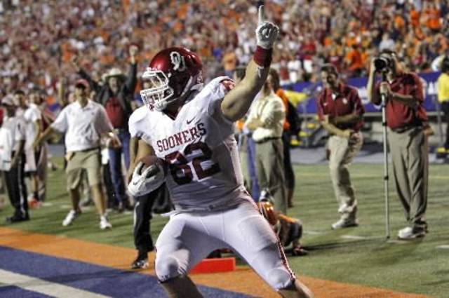 Oklahoma tight end Brannon Green celebrates after catching a touchdown pass in the 2012 season opener at UTEP. PHOTO BY CHRIS LANDSBERGER, THE OKLAHOMAN