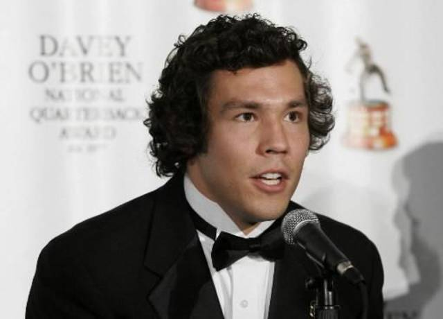 University of Oklahoma (OU) quarterback  Sam  Bradford makes acceptance remarks after receiving the Davey O'Brien National Quarterback Award in Fort Worth, Texas, Monday, Feb. 16, 2009. Heisman Trophy winner,  Bradford, of Oklahoma made an appearance to accept the award that goes to the nation's top quarterback.  Bradford is returning to the Sooners for his junior season even though he was eligible for the NFL draft after a standout sophomore year. (AP Photo/Tony Gutierrez)