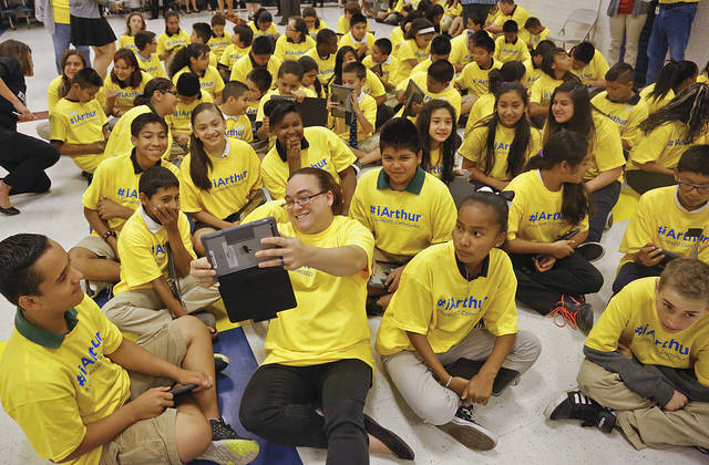 Grant allows OKC school\'s students to have iPads