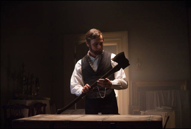 "This film image released by 20th Century Fox shows Benjamin Walker portraying Abraham Lincoln in a scene from ""Abraham Lincoln: Vampire Hunter."" (AP Photo/20th Century Fox, Alan Markfield)"