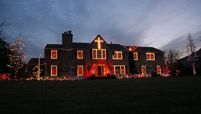 Christmas lights on Drury Ln. in Nichols Hills, Okla., Sunday, Dec. 9, 2012. Photo by Nate Billings, The Oklahoman