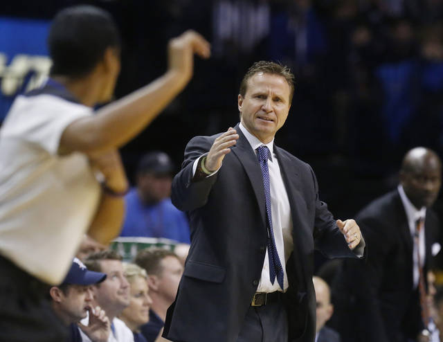 How good is Scott Brooks  coming out of a timeout? (AP Photo/Sue Ogrocki)