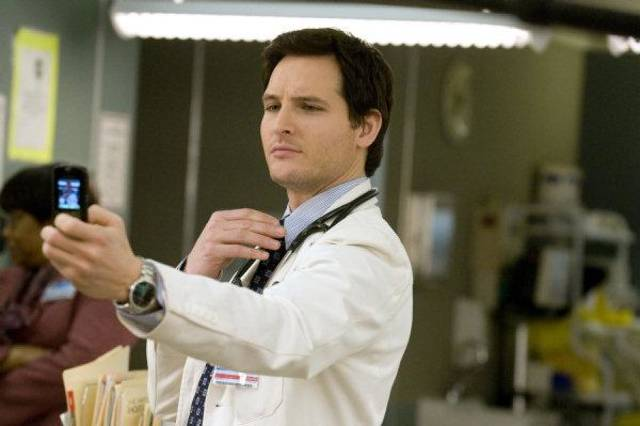 "Along with playing compassionate vampire Dr. Carlisle Cullen in ""The Twilight Saga"" movies, Peter Facinelli plays Dr. Cooper in Showtime's acclaimed series ""Nurse Jackie."" Showtime photo <strong> - Ken Regan/©Showtime</strong>"