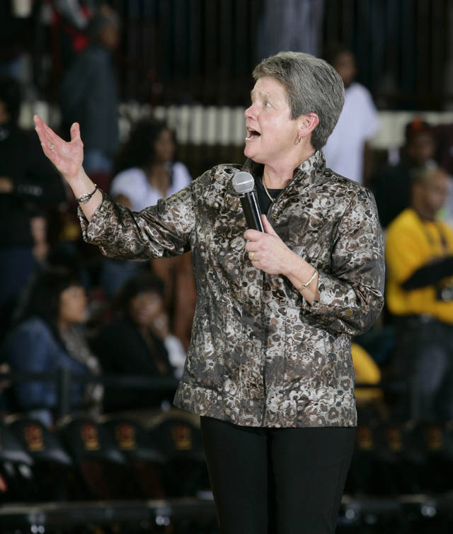 Central Michigan coach Sue Guevara thanks fans following an NCAA college basketball game against Notre Dame, Thursday, Nov. 29, 2012, in Mount Pleasant, Mich. Notre Dame won 72-63. (AP Photo/Al Goldis)