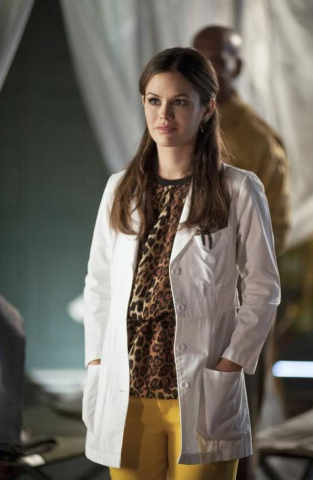 Hart of Dixie -- �Lovesick Blues� -- Pictured: Rachel Bilson as Dr. Zoe Hart -- Image Number: HA213a_0147b-- Photo: Eddy Chen/The CW -- © 2013 The CW Network, LLC. All rights reserved.