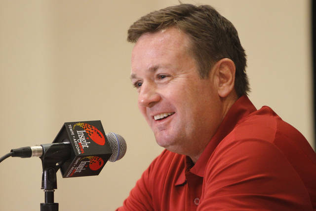 OU / COLLEGE FOOTBALL: Oklahoma head coach Bob Stoops talks with the media during a University of Oklahoma media day for the Insight Bowl at the Camelback Inn in Paradise Valley, Ariz.,  Wednesday, Dec. 28, 2011. Photo by Sarah Phipps, The Oklahoman