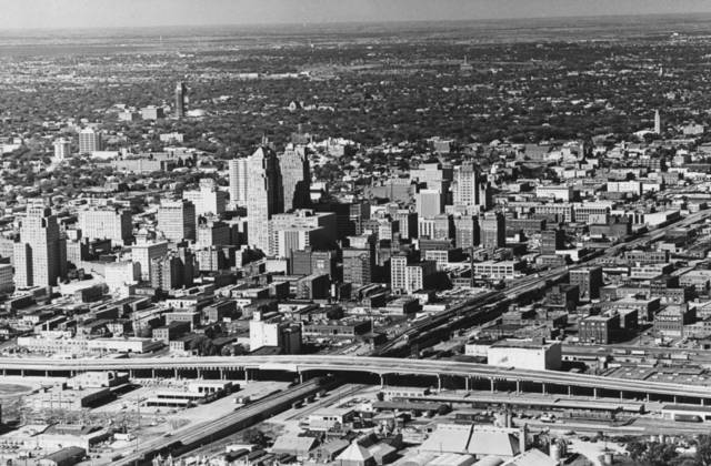 OKLAHOMA CITY / SKY LINE / OKLAHOMA / AERIAL VIEWS / AERIAL PHOTOGRAPHY / AIR VIEWS:  No caption.  Staff photo by Jim Lucas.  Photo dated 10/21/1965 and unpublished.