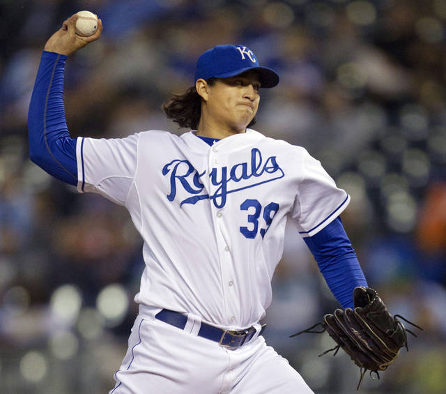 Kansas City Royals starting pitcher Luis Mendoza (39) works against the Detroit Tigers during the first inning of a baseball game at Kauffman Stadium in Kansas City, Mo., Wednesday, Oct. 3, 2012. (AP Photo/Orlin Wagner)