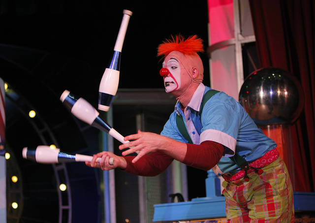 Jordan Bunce juggles during a Science Live show at the Science Museum Oklahoma, Wednesday, June 27, 2012.  Ringling Bros. clowns showed viewers the science behind circus performance.  Photo by Garett Fisbeck, The Oklahoman