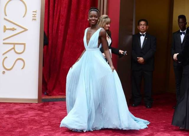 Lupita Nyong'o looks like a princess on the Oscars red carpet. (AP)
