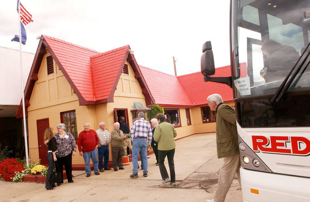 National Preservation Group gets welcomed to the Tourist Information Center in Baxter Springs, Kansas, Oct. 23, 2008.  BY GARY CROW, FOR THE OKLAHOMAN