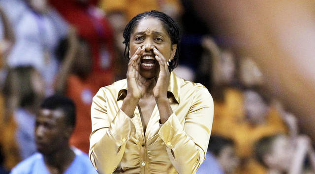 Tulsa Shock head coach Teresa Edwards yells to her team during the second half of a WNBA basketball game against the Chicago Sky on Wednesday, July 13, 2011, in Rosemont, Ill. The Sky won 72-54. (AP Photo/Nam Y. Huh) ORG XMIT: ILNH118