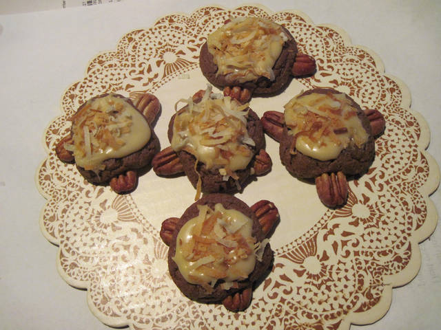 """#8 top voted cookie in our """"12 Days of Cookies"""" contest brought to you by Hiland is from Rosalie Seebeck."""