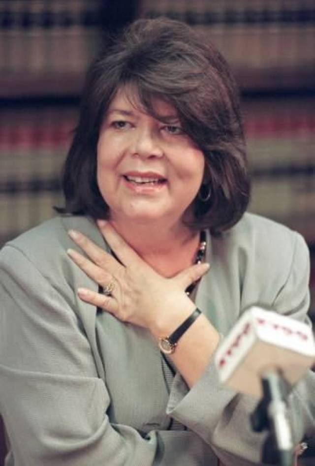 In this Sept. 19, 1996 file photo, Wilma Mankiller, former Cherokee Nation chief, speaks during a news conference in Tulsa, Okla. Mankiller, was one of the few women ever to lead a major American Indian tribe, died Tuesday April 6, 2010 after battling pancreatic cancer. She was 64. (AP Photo/Michael Wyke)