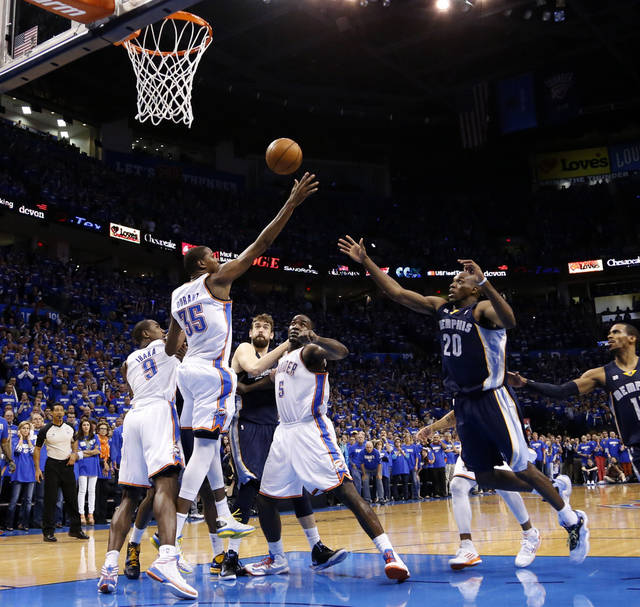 Oklahoma City's Kevin Durant (35) goes for a rebound after a free throw in the final seconds of Game 1 in the second round of the NBA playoffs between the Oklahoma City Thunder and the Memphis Grizzlies at Chesapeake Energy Arena in Oklahoma City, Sunday, May 5, 2013. Photo by Sarah Phipps, The Oklahoman
