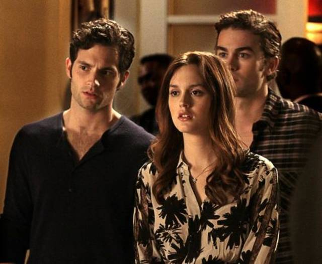 """The Townie"" Gossip Girl Pictured(L-R)  Penn Badgley as Dan Humphrey, Leighton Meester as Blair Waldorf and Chace Crawford as Nate Archibald PHOTO CREDIT:  GIOVANNI RUFINO/ THE CW ©2010 THE CW NETWORK.  ALL RIGHTS RESERVED"