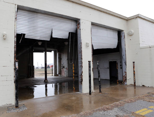 Structural damage that was originally overlooked has delayed repairs to a storm-damaged building at the Burns Flat spaceport.PHOTO BY STEVE SISNEY, THE OKLAHOMAN <strong>STEVE SISNEY - THE OKLAHOMAN</strong>
