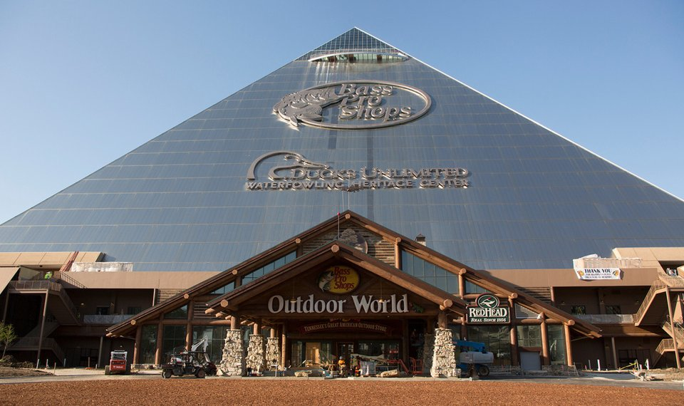 Memphis Pyramid Reopens As Hotel Shop And Outdoor Themed Experience
