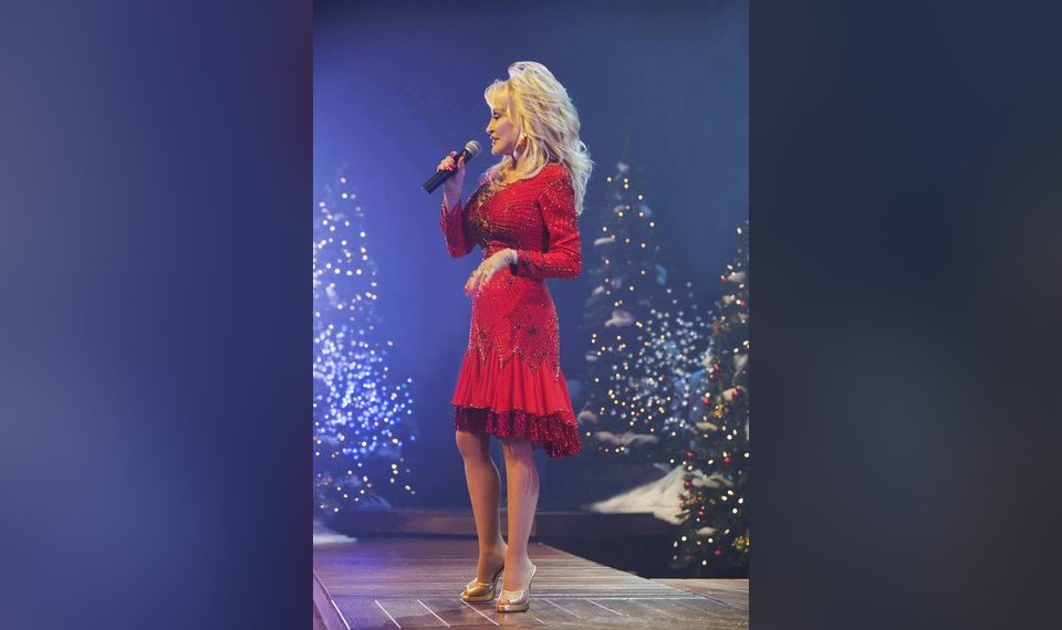 A Country Christmas Story.Dolly Parton Co Stars In Tv Movie A Country Christmas Story