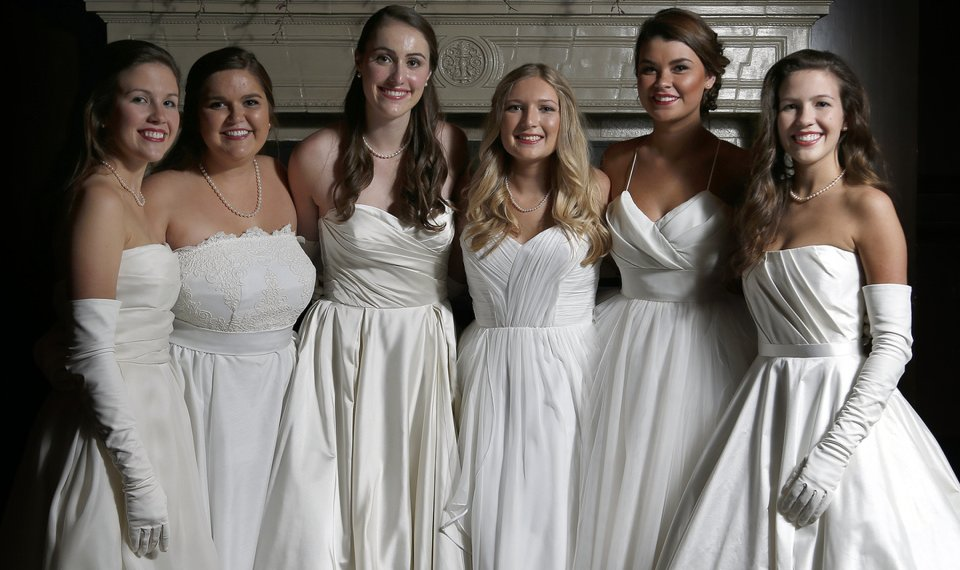 Debutantes Shine At Beaux Arts Ball