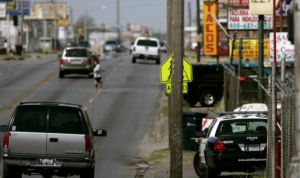 License checkpoints on Oklahoma City's south side raise concerns