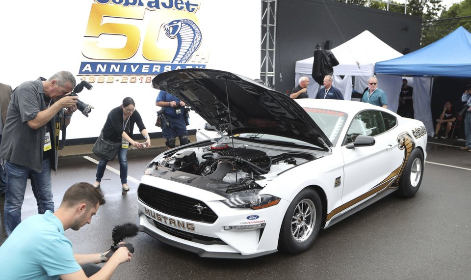 Sales Drop Could Be Sign Of Peril For American Muscle Cars - Detroit car show august 2018