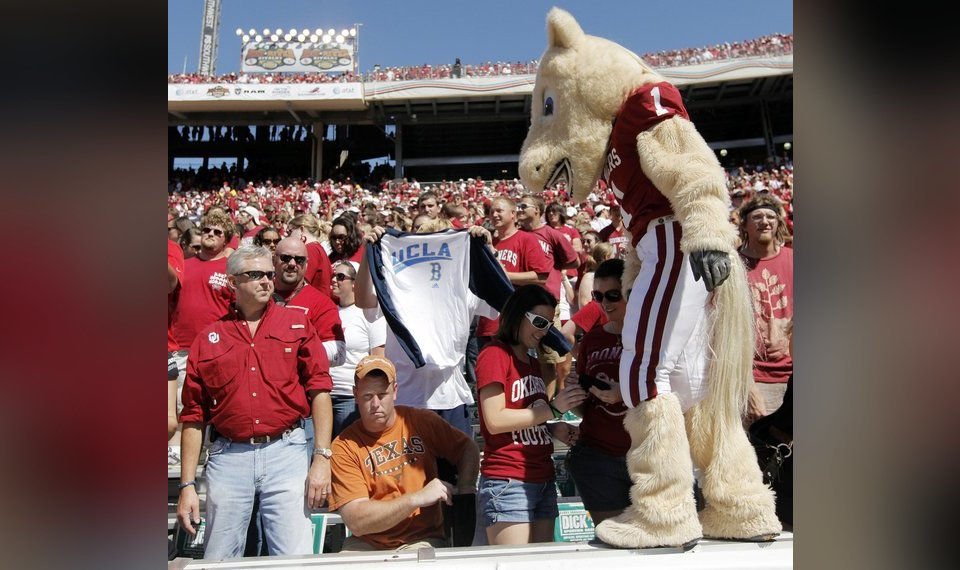 Like Texas last year, Oklahoma taking lead role in