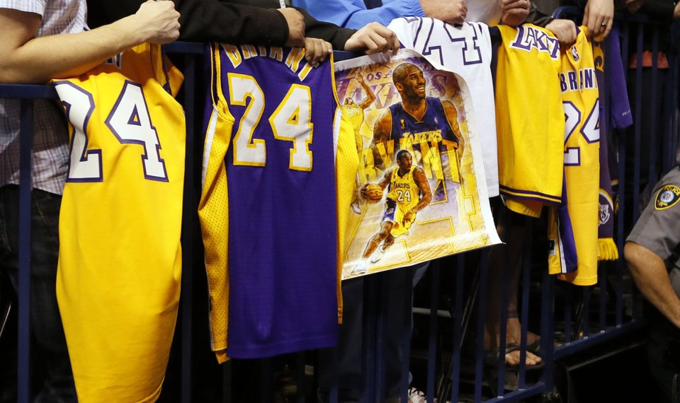 NBA players react to death of Lakers legend Kobe Bryant