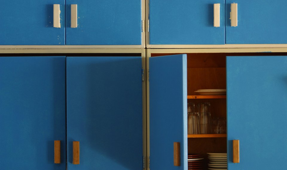 Are Your Kitchen Cabinets In Need Of Resurfacing Thinkstock Photo