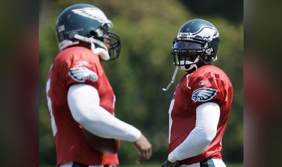 Donovan McNabb and Michael Vick could play together 56cb3f9d9