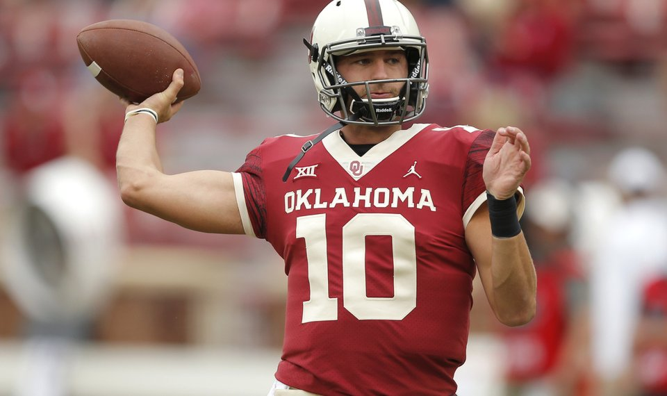 43b7192acf9 Oklahoma quarterback Austin Kendall completed 12 of 17 passes for 122 yards  with a touchdown this