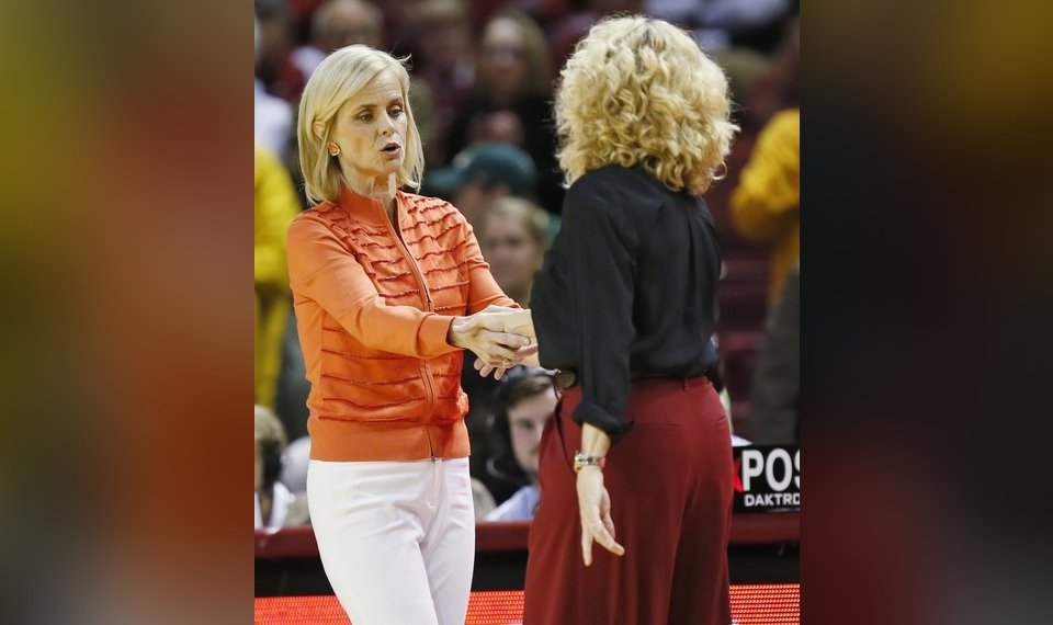 509e79fe0d5 Baylor coach Kim Mulkey, left, and Oklahoma coach Sherri Coale shake hands  after a