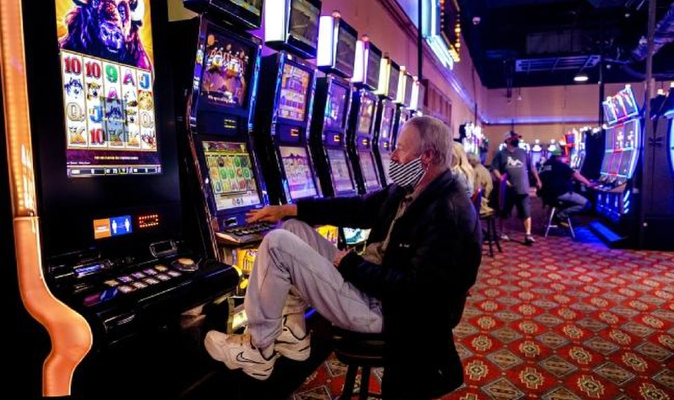 Some casinos suspend smoking as part of COVID-19 response
