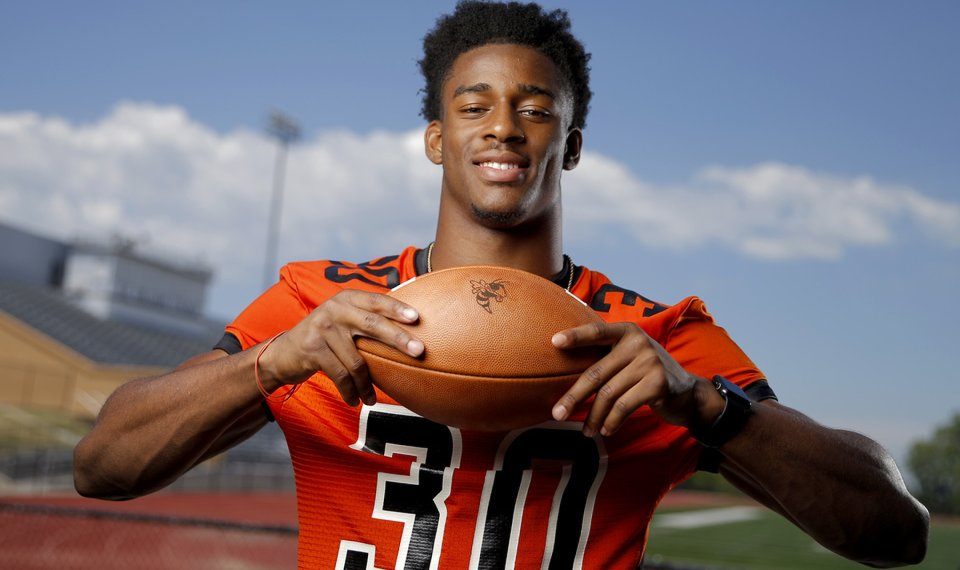16094861d539 Tulsa Washington s Dax Hill was named the Oklahoma Gatorade Player of the  Year this week.