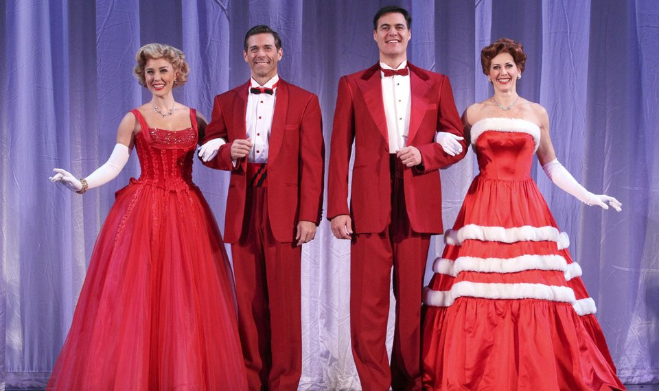 White Christmas Musical.Irving Berlin Musical White Christmas Transports Audiences