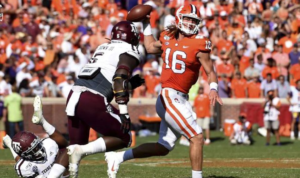 College Football Roundup: Top-ranked Clemson passes A&