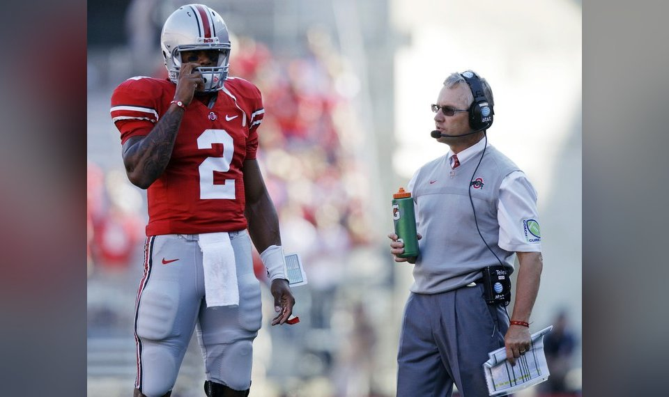 Report: Ohio State's Tressel was alerted to gear sale in April