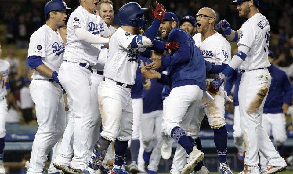 4bf9487a0c4 Dodgers rally for 4 in 9th against Díaz to defeat Mets 9-8