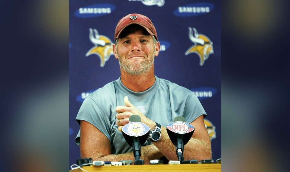 Leaves Are Turning And Brett Favre Is >> Commentary Brett Favre S Acquisition Was One Sham Of A Transaction