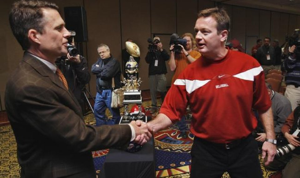 OU football: Still getting used to retirement, Bob Stoops...