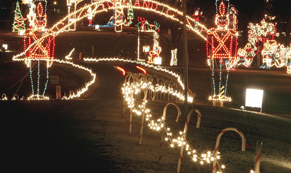 Midwest City brings the holidays to light