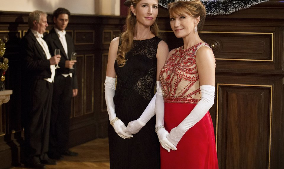 A Royal Christmas.Jane Seymour And Daughter Star In Hallmark Tv Movie