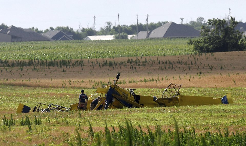 report crop duster climbed banked before crashing into tower near enid