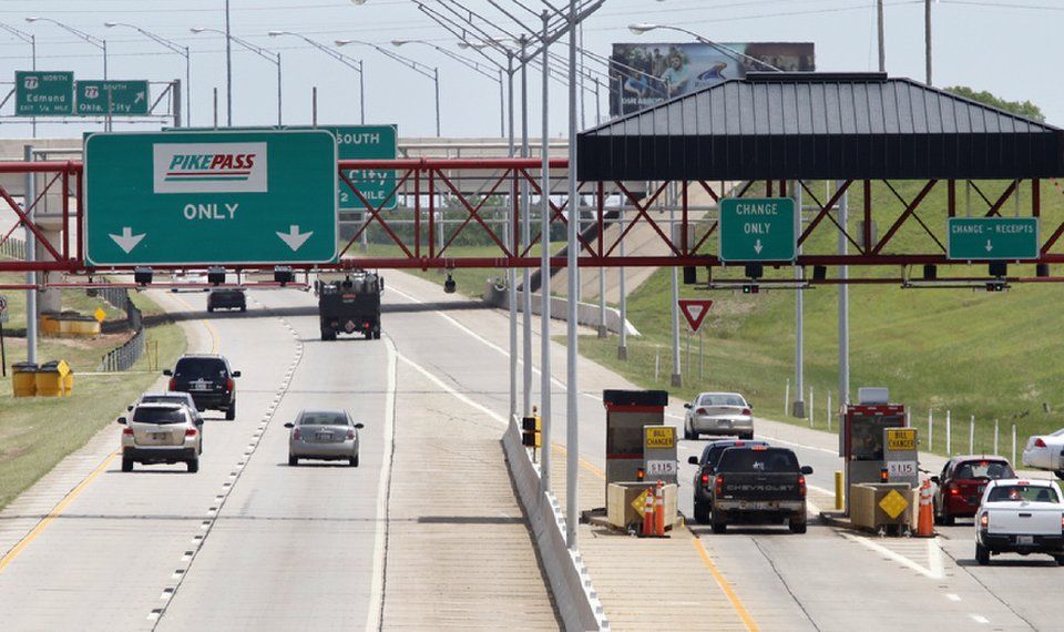 Oklahoma governor signs bill easing toll penalties