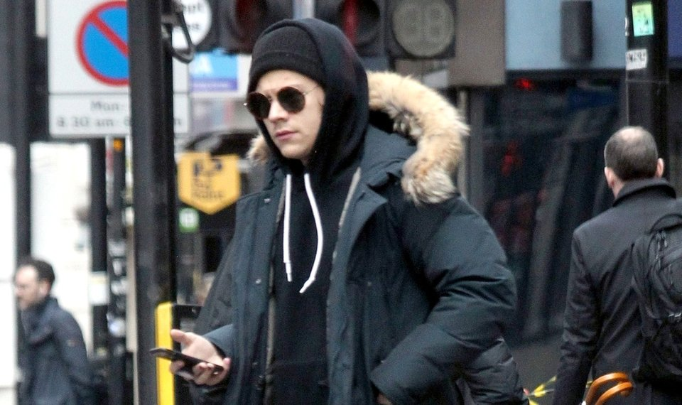 Harry Styles Bundles Up, Wears Multi-Colored Nail Polish in Rare Spotting