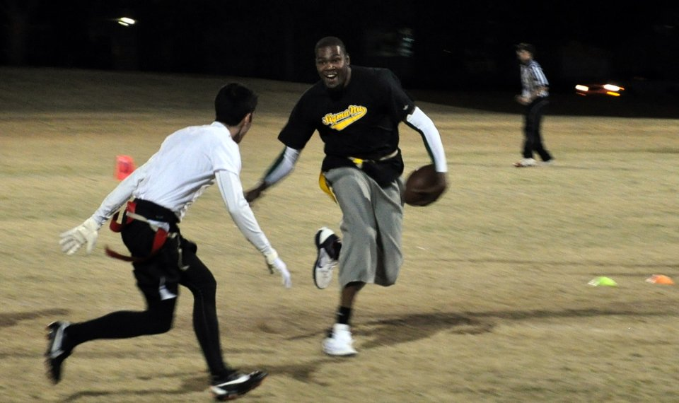 5232b0fd4d6c Kevin Durant plays in an intramural flag football game with Sigma Nu  fraternity at Oklahoma State