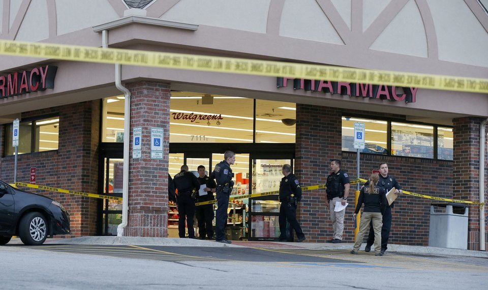 Walgreens Employee At Home >> No Charges Will Be Sought In Walgreens Shooting Clerk No Longer