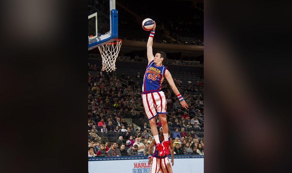 Oklahoma Native Tyler Inman Dunks During A Harlem Globtrotters Performance On Jan 5 At Madison